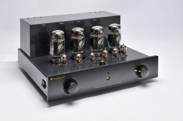002-PrimaLuna-DiaLogue-Premium-Integrated-Amplifier---voorzijde-schuin-zonder-kap